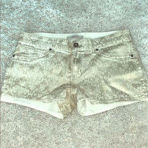 Rich and skinny gold pattern short shorts